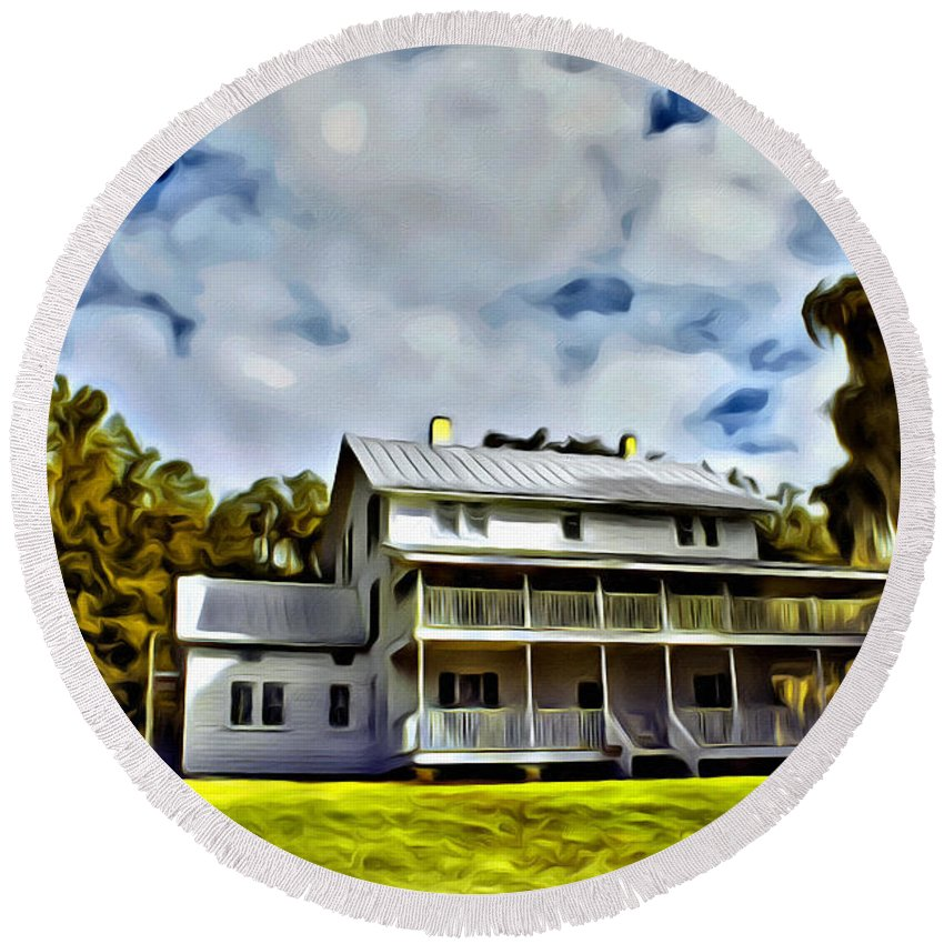 Thursby Plantation House Blue Springs Florida Round Beach Towel featuring the photograph Old Thursby Plantation House Two by Alice Gipson