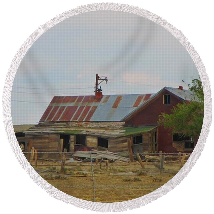 Old Vacant Country Property Round Beach Towel featuring the photograph Old Vacant Country Property by John Malone