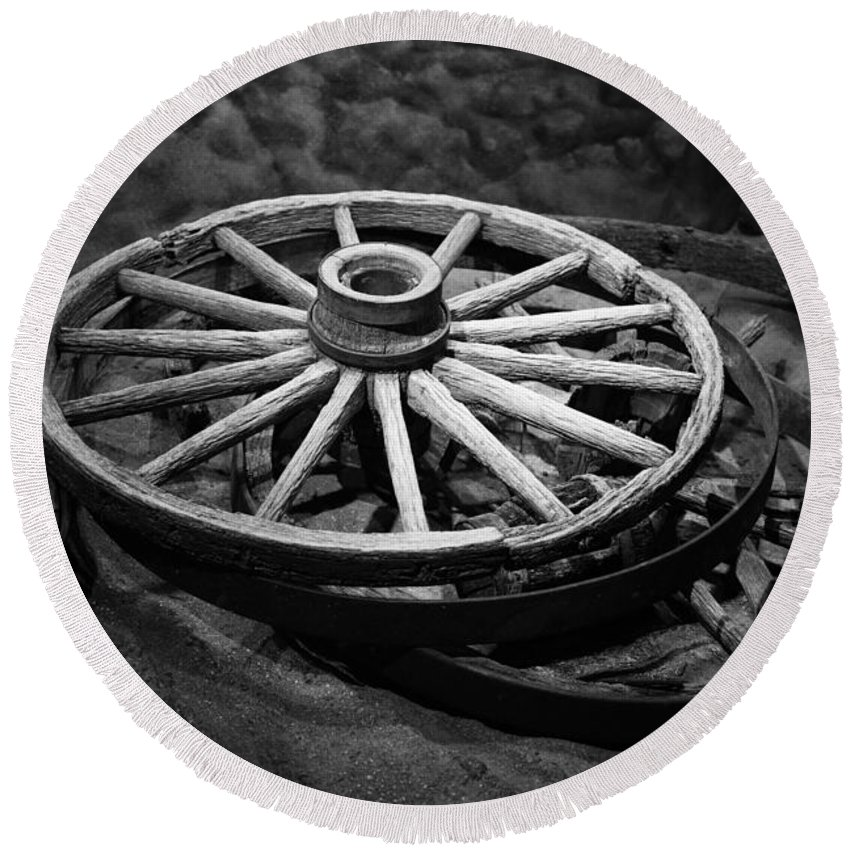 Rustic Round Beach Towel featuring the photograph Old Wagon Wheels by Paul Freidlund