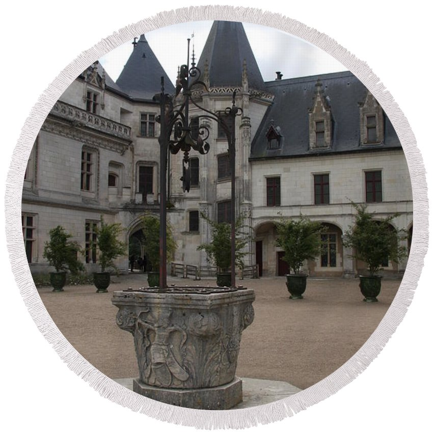 Palace Round Beach Towel featuring the photograph Old Well And Courtyard Chateau Chaumont by Christiane Schulze Art And Photography