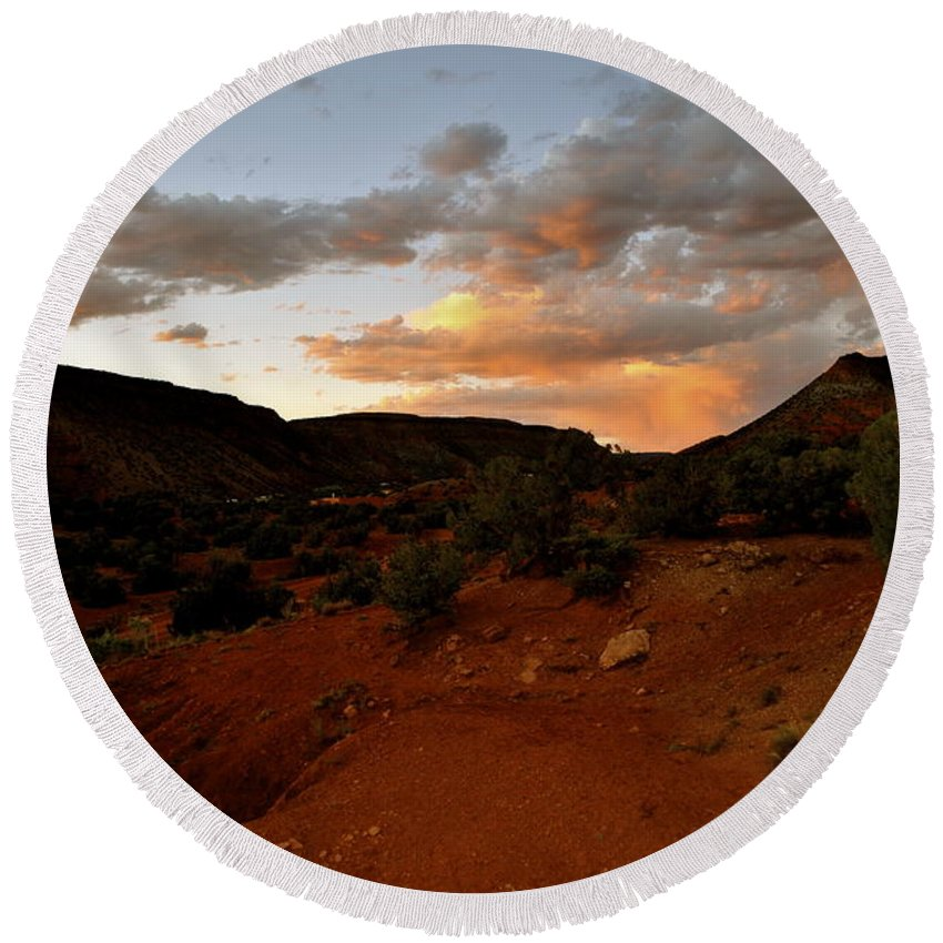 New Mexico Round Beach Towel featuring the photograph Evening Colors by Wendy Girard