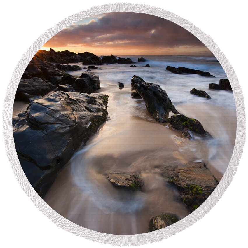 Basham Beach Round Beach Towel featuring the photograph On The Rocks by Mike Dawson