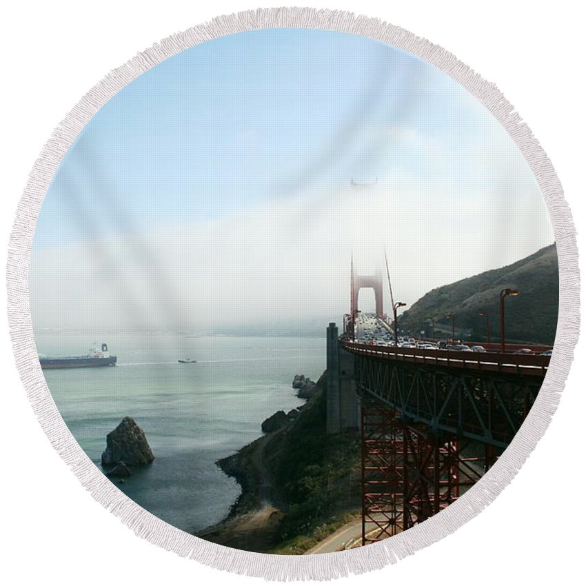 Bridge Round Beach Towel featuring the photograph On The Way Back To San Francisco by Christiane Schulze Art And Photography