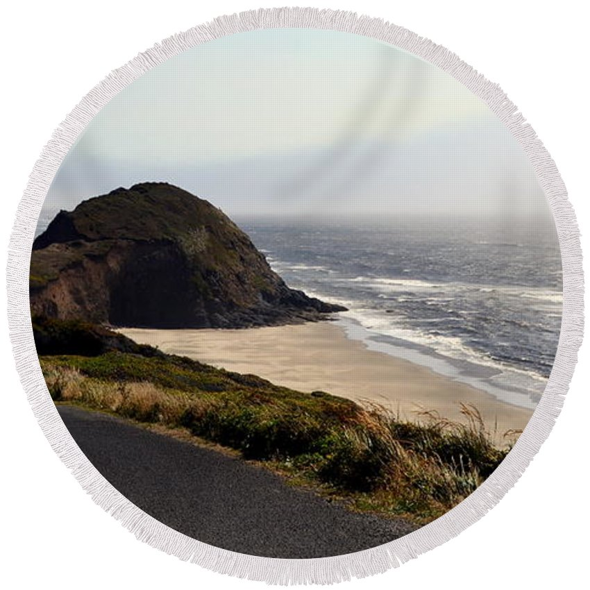 Shore Round Beach Towel featuring the photograph Oregon Coast And Fog by Michelle Calkins