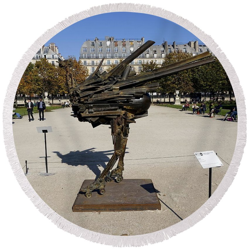 Paris Round Beach Towel featuring the photograph Ostrich Art At The Jardin Des Tuileries In Paris France by Richard Rosenshein