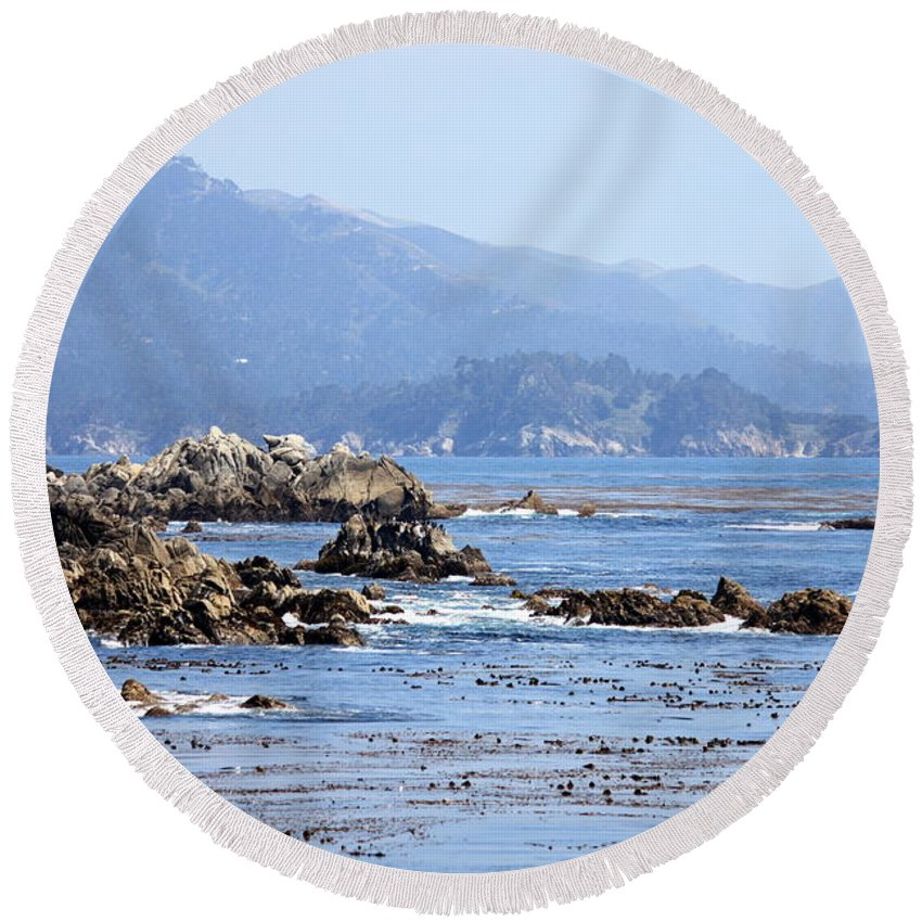Ocean Round Beach Towel featuring the photograph Pacific Blues by Carol Groenen