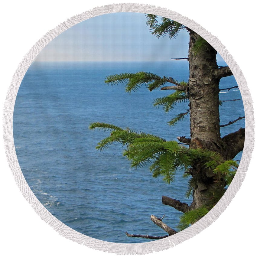 Cape Flattery Round Beach Towel featuring the photograph Pacific Ocean by Tikvah's Hope