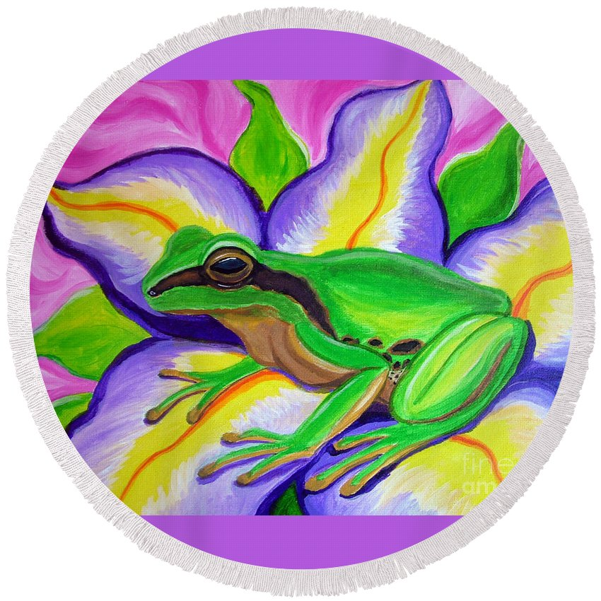 Pacific Tree Frog Round Beach Towel featuring the painting Pacific Tree Frog And Flower by Nick Gustafson