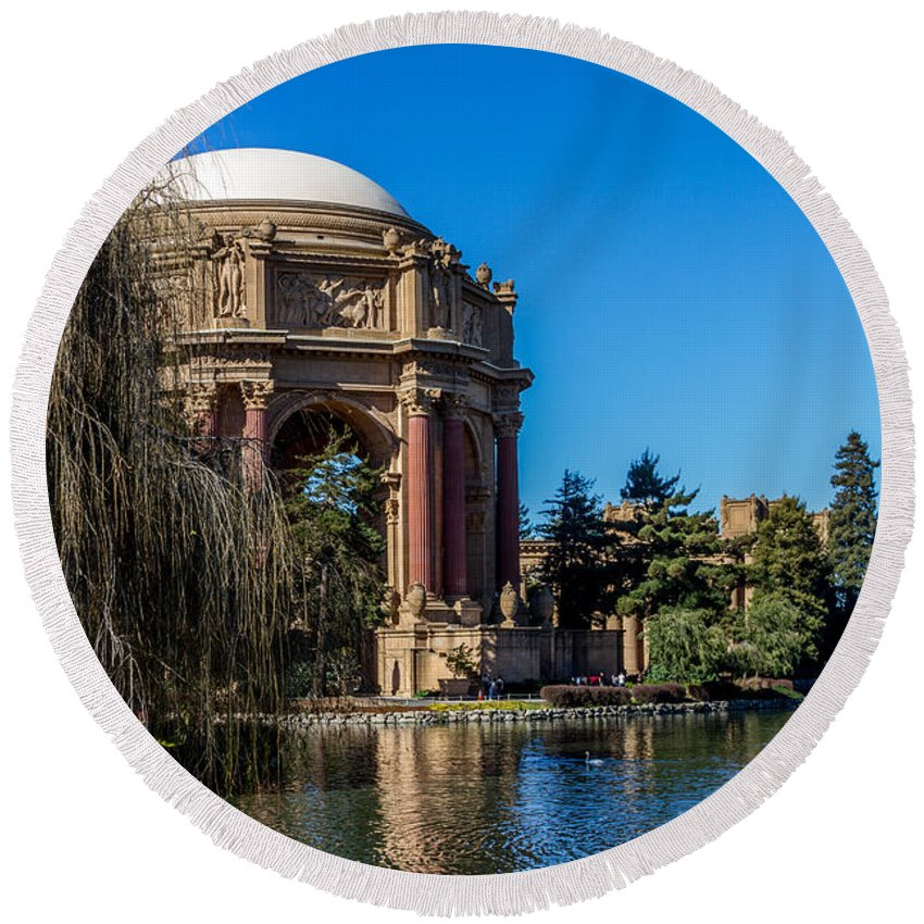 Palace Of Fine Art Round Beach Towel featuring the photograph Palace Of Fine Arts In Color by Bill Gallagher