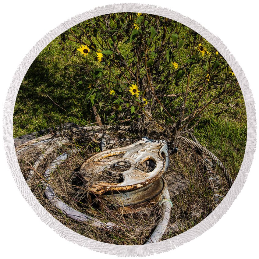 Palacios Round Beach Towel featuring the photograph Palacios Texas Pulley Wire And Flowers by JG Thompson