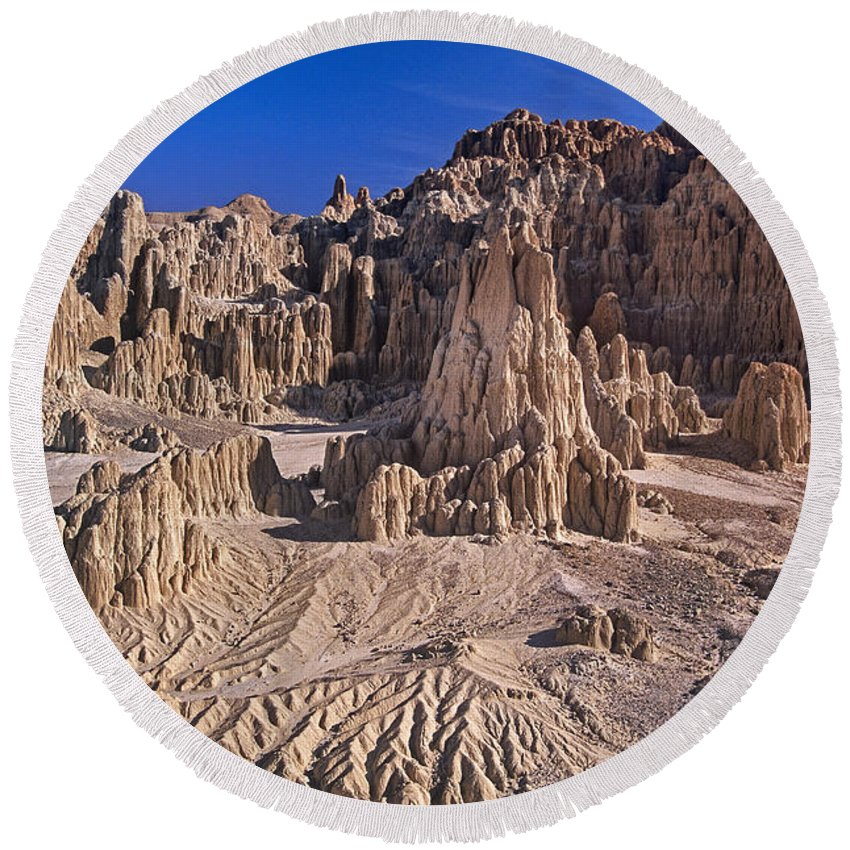 Nevada Landscape Round Beach Towel featuring the photograph Panaca Formations In Cathedral Gorge State Park Nevada by Dave Welling
