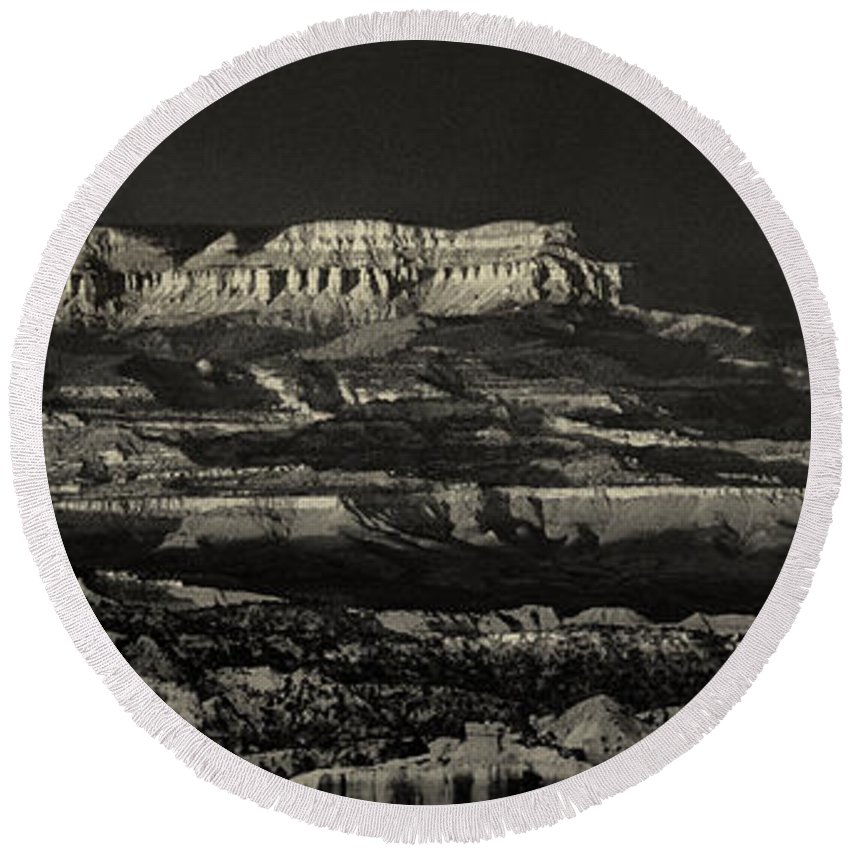 North America Round Beach Towel featuring the photograph Panorama Bryce Canyon Storm In Black And White by Dave Welling