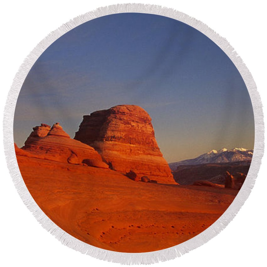America Round Beach Towel featuring the photograph Panorama Moonrise Over Delicate Arch Arches National Park Utah by Dave Welling