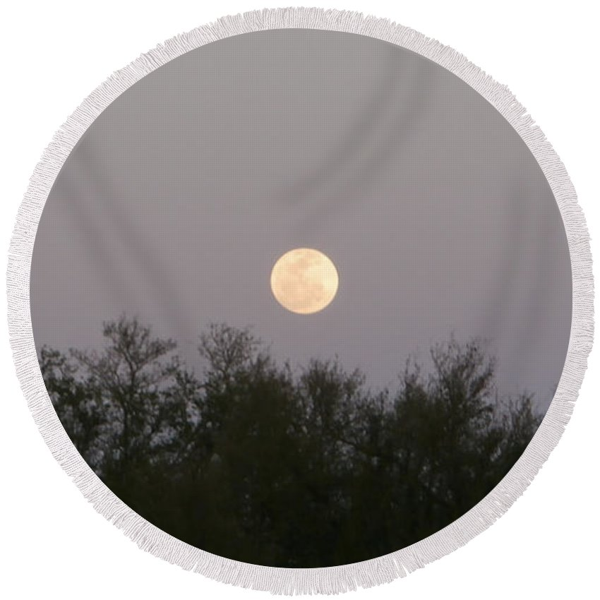 Moon Round Beach Towel featuring the photograph Panoramic New Orleans Moon Rising by Joseph Baril
