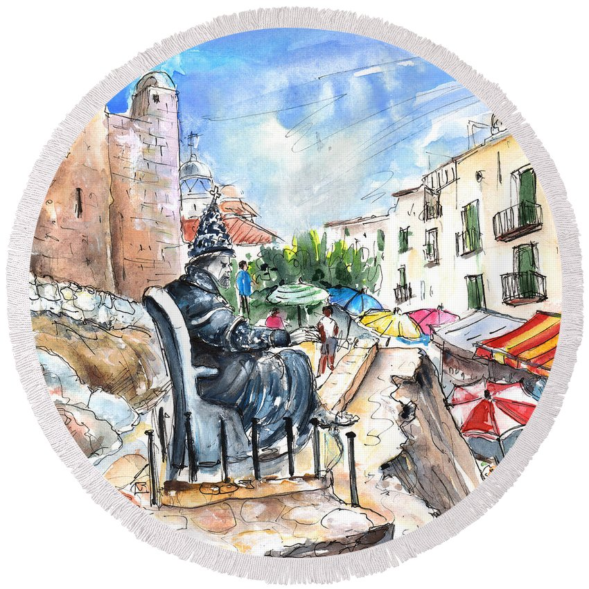 Travel Round Beach Towel featuring the painting Papa Luna In Peniscola by Miki De Goodaboom