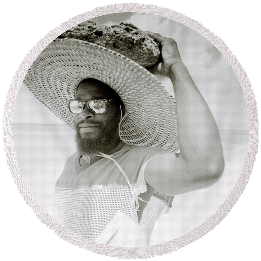 Black And White Round Beach Towel featuring the photograph Paradise Island by Shaun Higson