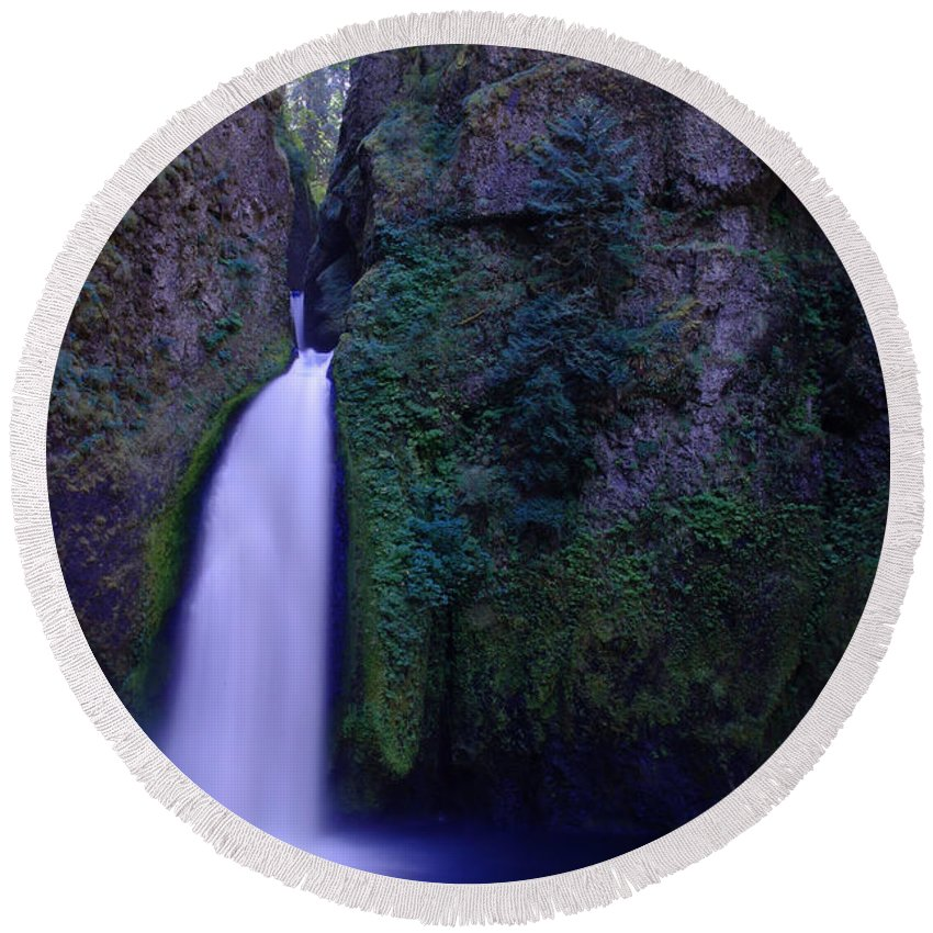 Waterfalls Round Beach Towel featuring the photograph Paradise Pours Wanclella Falls Oregon by Jeff Swan