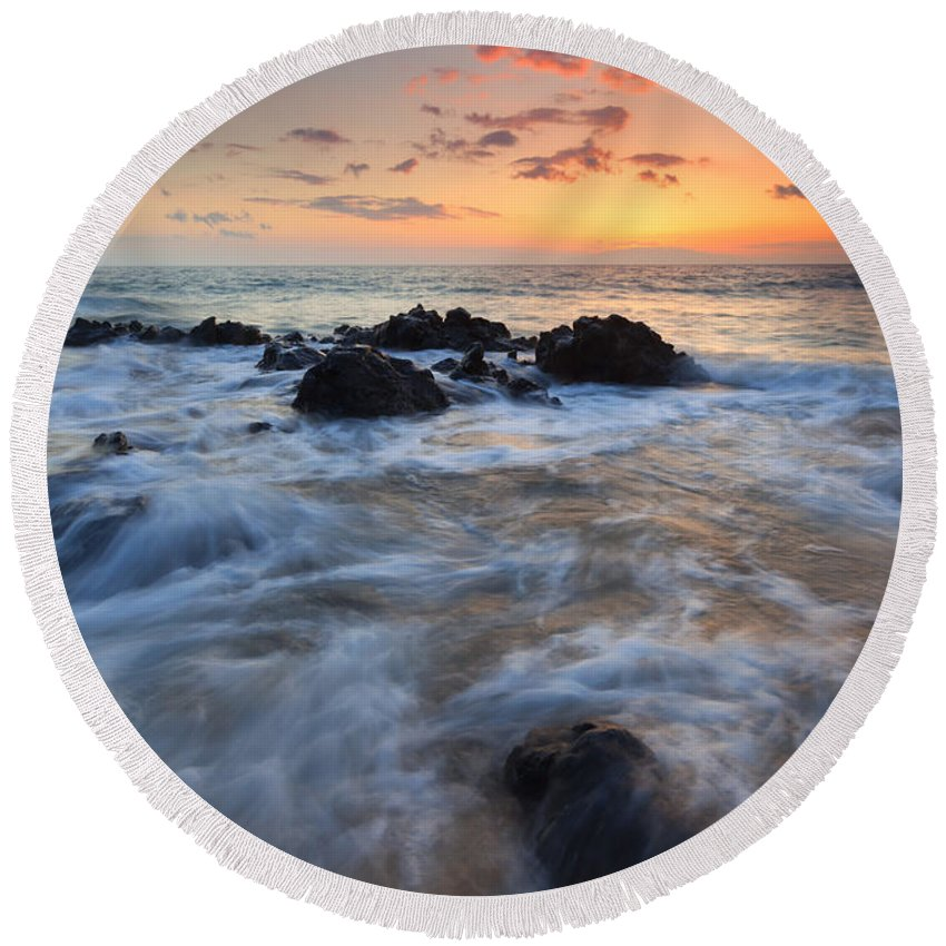 Surge Round Beach Towel featuring the photograph Paradise Surge by Mike Dawson