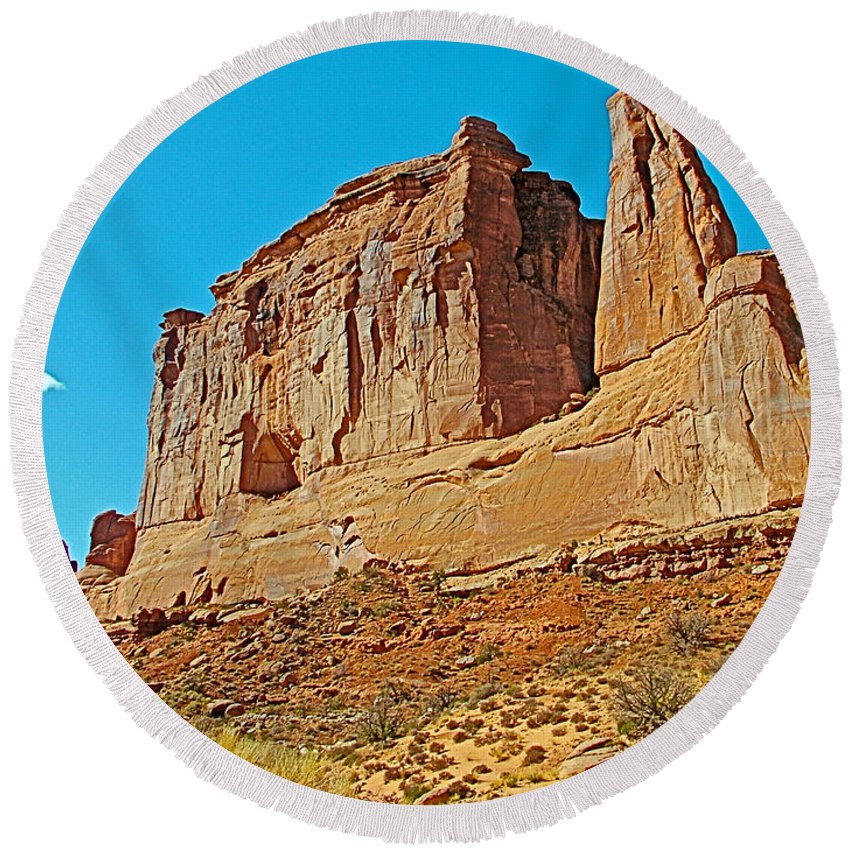 Park Avenue In Arches National Park Round Beach Towel featuring the photograph Park Avenue In Arches National Park-utah by Ruth Hager