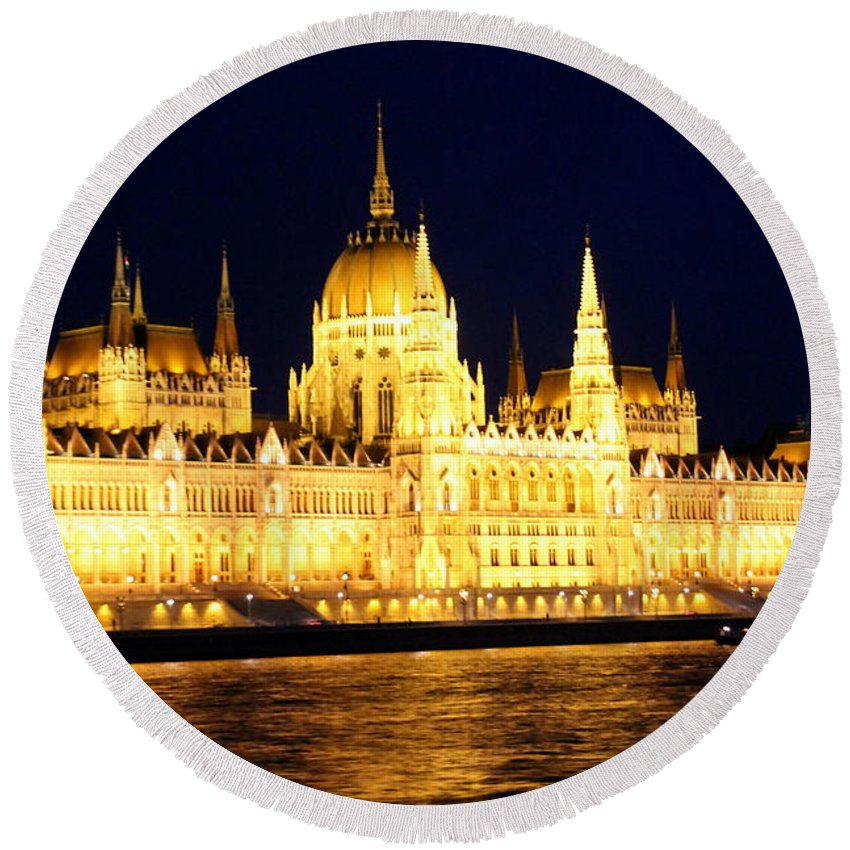 Budapest Round Beach Towel featuring the photograph Parliament Building At Night In Budapest by Laurel Talabere