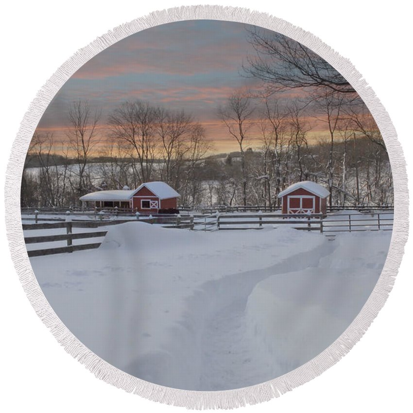 Barn Round Beach Towel featuring the photograph Path To The Barn by Fran J Scott