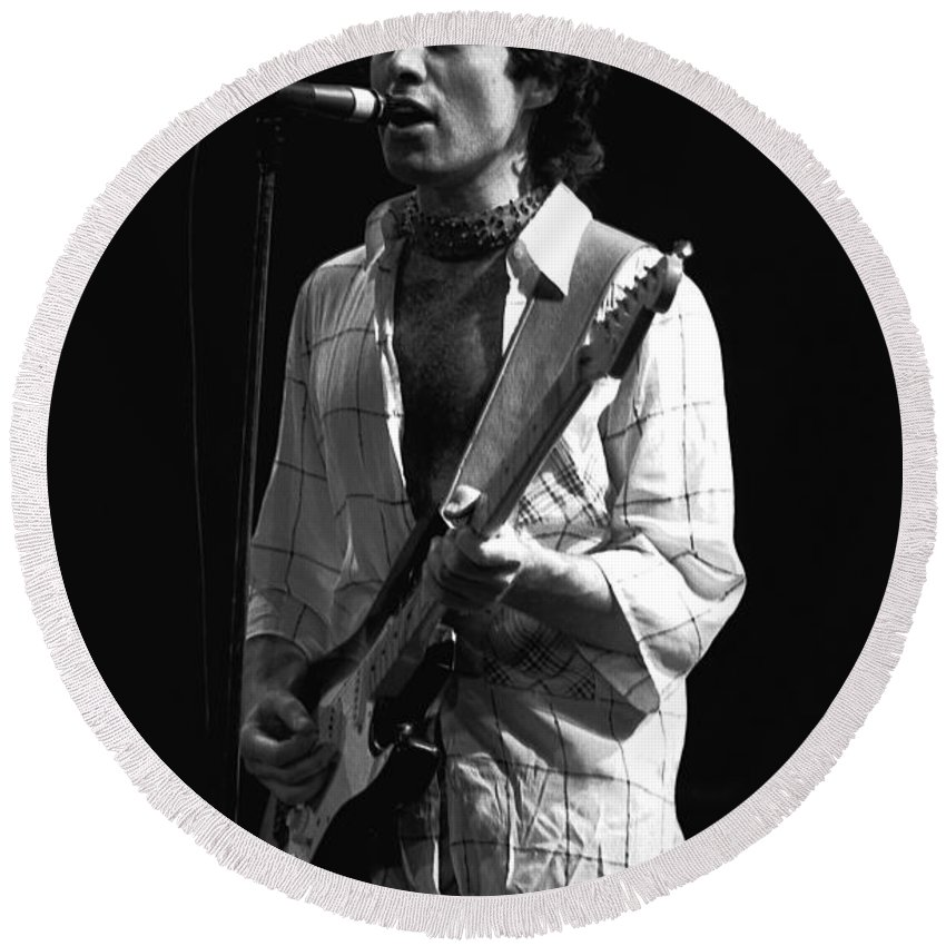 Paul Rodgers Round Beach Towel featuring the photograph Bad Company's Vocalist Extraordinaire by Ben Upham
