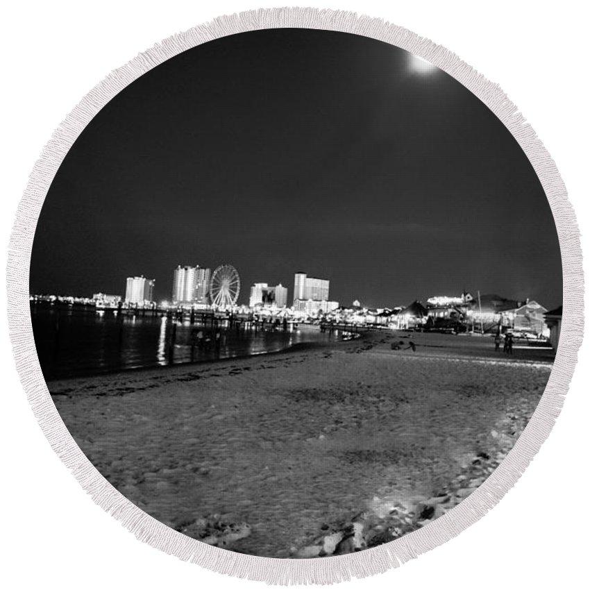 Pensacola Beach Round Beach Towel featuring the photograph Pensacola Beach At Night by Jon Cody