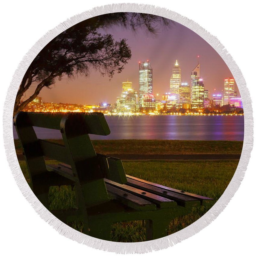 Perth Round Beach Towel featuring the photograph Perth 2am-004262 by Andrew McInnes