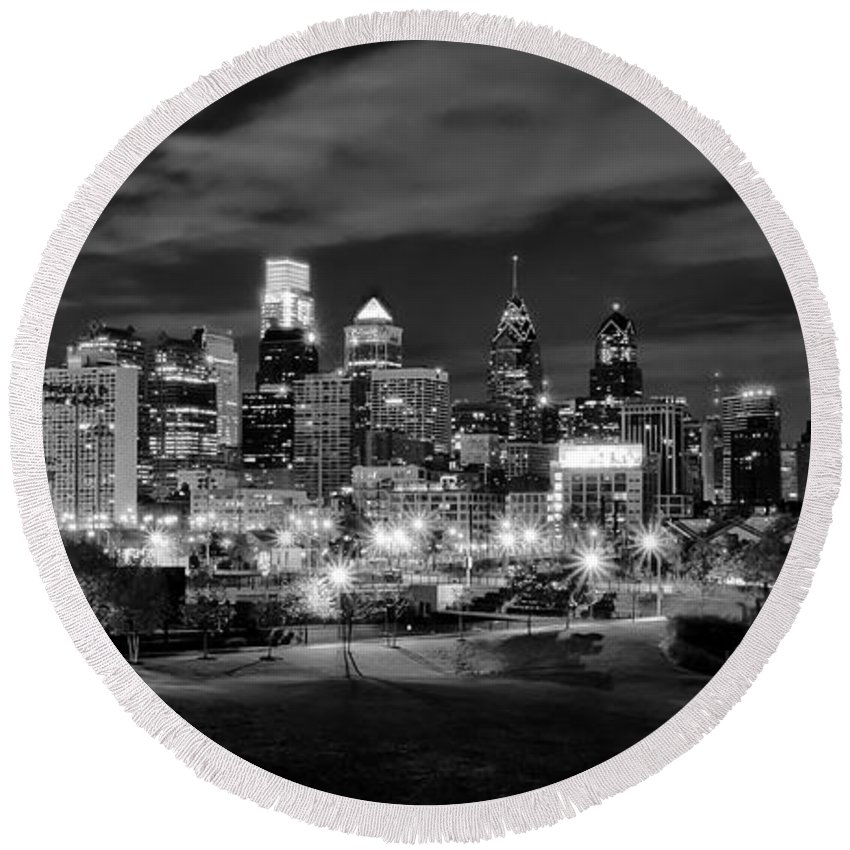 Philadelphia Round Beach Towel featuring the photograph Philadelphia Black And White Cityscape by Bill Cannon