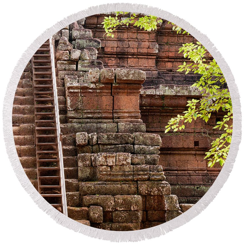 Phimeanakas Round Beach Towel featuring the photograph Phimeanakas Temple Steps by Rick Piper Photography