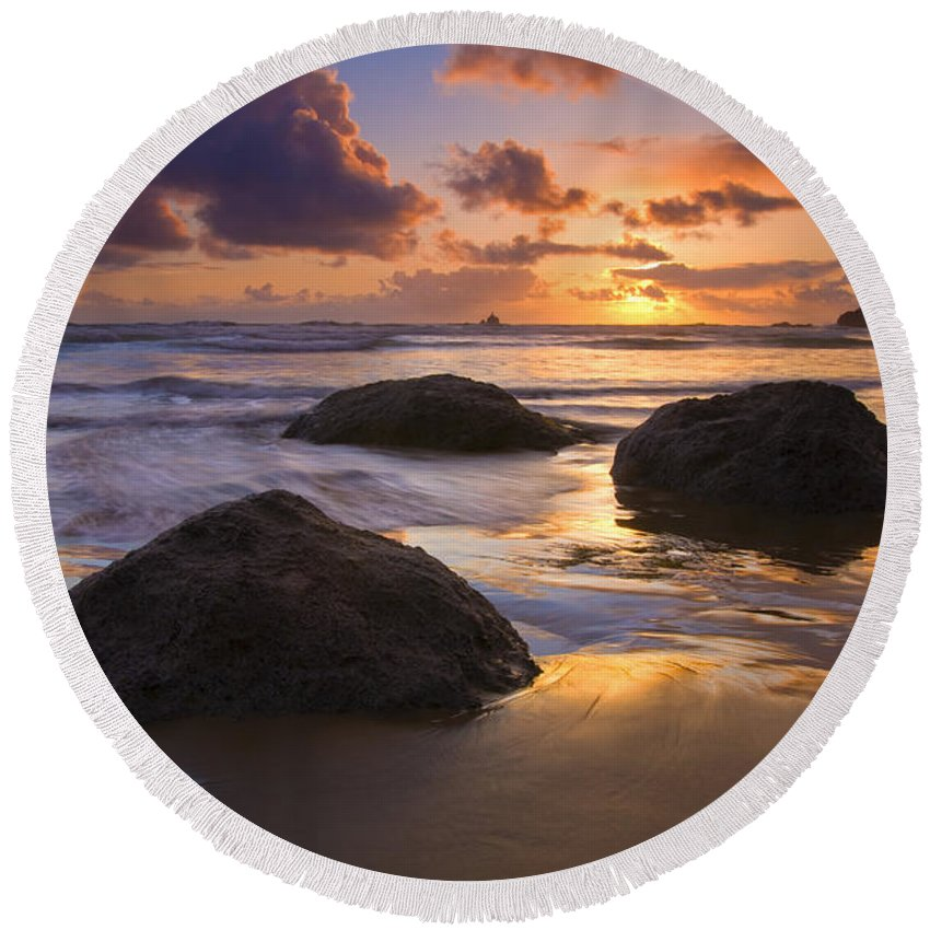 Sunset Round Beach Towel featuring the photograph Pieces Of Eight by Mike Dawson