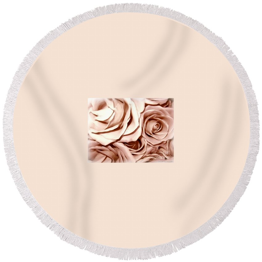 Pink Roses Round Beach Towel featuring the photograph Pink Roses Bouquet Sketchbook Effect by Rose Santuci-Sofranko