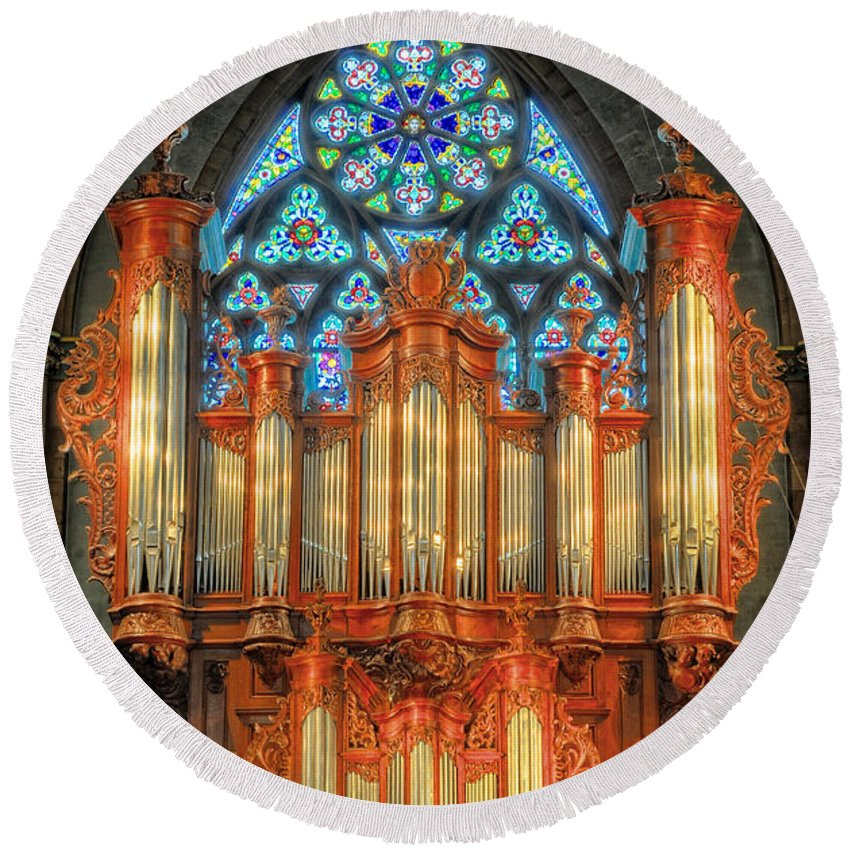 Pipe Organ Round Beach Towel featuring the photograph Pipe Organ by Dave Mills