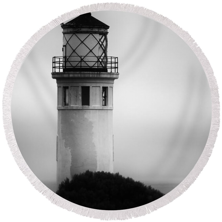 Lighthouse Round Beach Towel featuring the photograph Pointe Vincente Lighthouse by Donna Greene