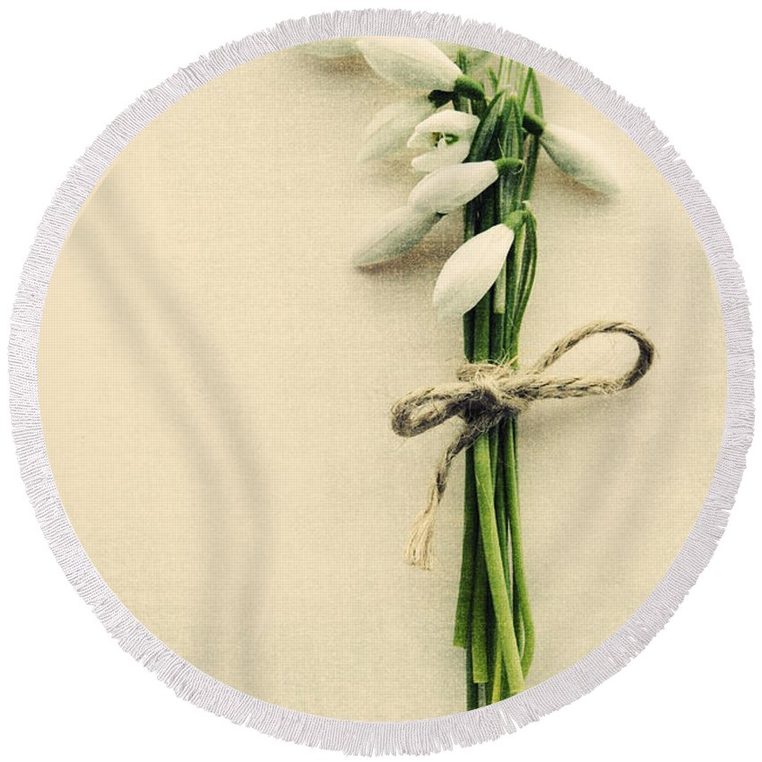 Spring Round Beach Towel featuring the photograph Posy Of Snowdrops by David Ridley