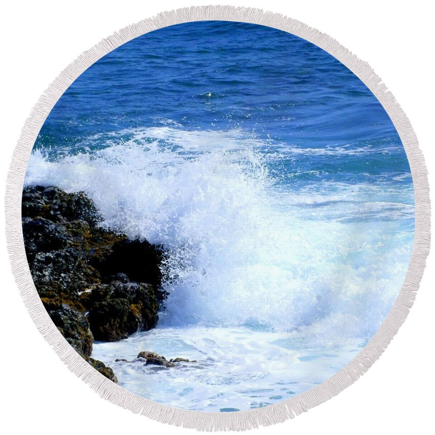 Ocean Round Beach Towel featuring the photograph Pounding The Reef by Mary Deal
