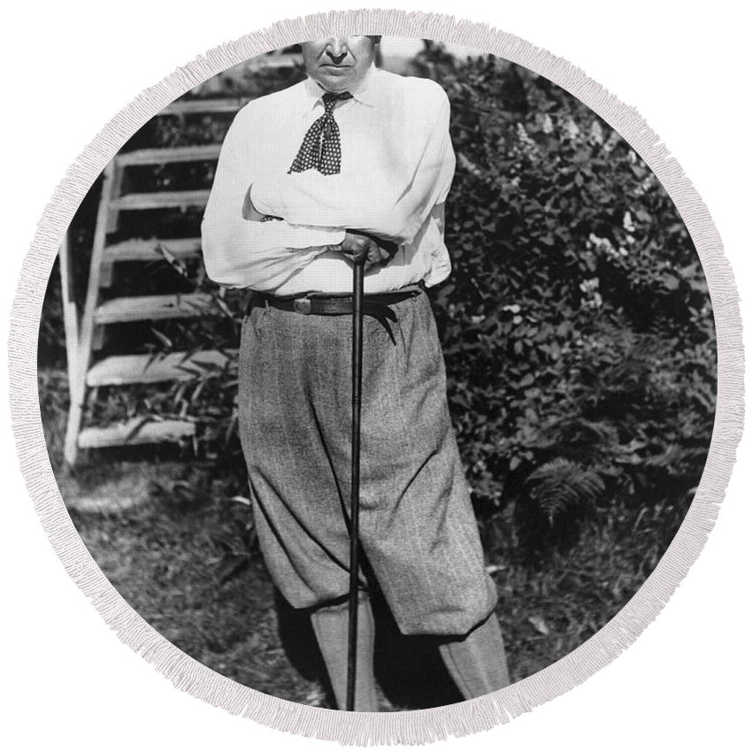 1922 Round Beach Towel featuring the photograph President Harding Playing Golf by Underwood Archives