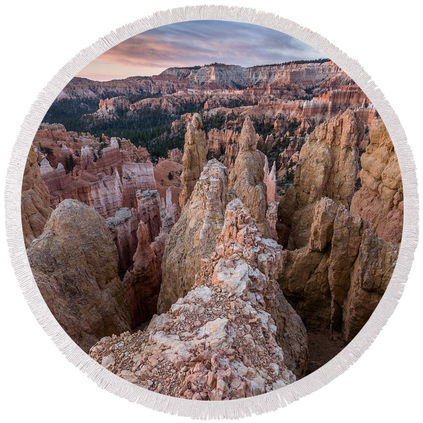 Bryce Canyon Round Beach Towel featuring the photograph Queen's Garden At Dawn 3 by Greg Nyquist