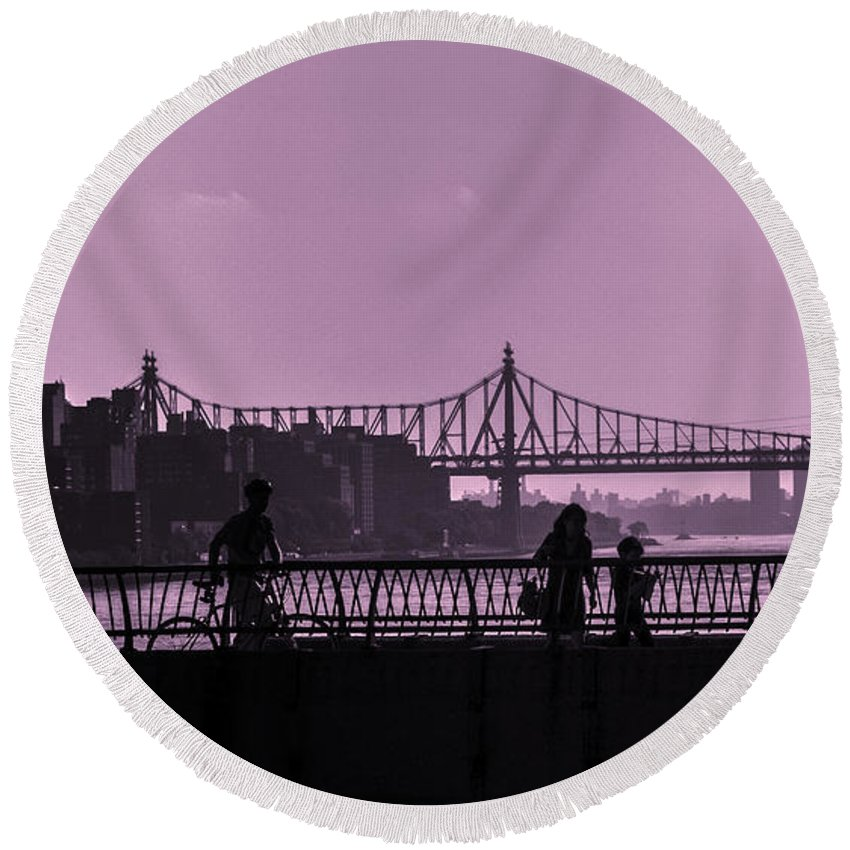 Bridge Round Beach Towel featuring the photograph Queensboro Bridge 1 - Manhattan - New York by Madeline Ellis