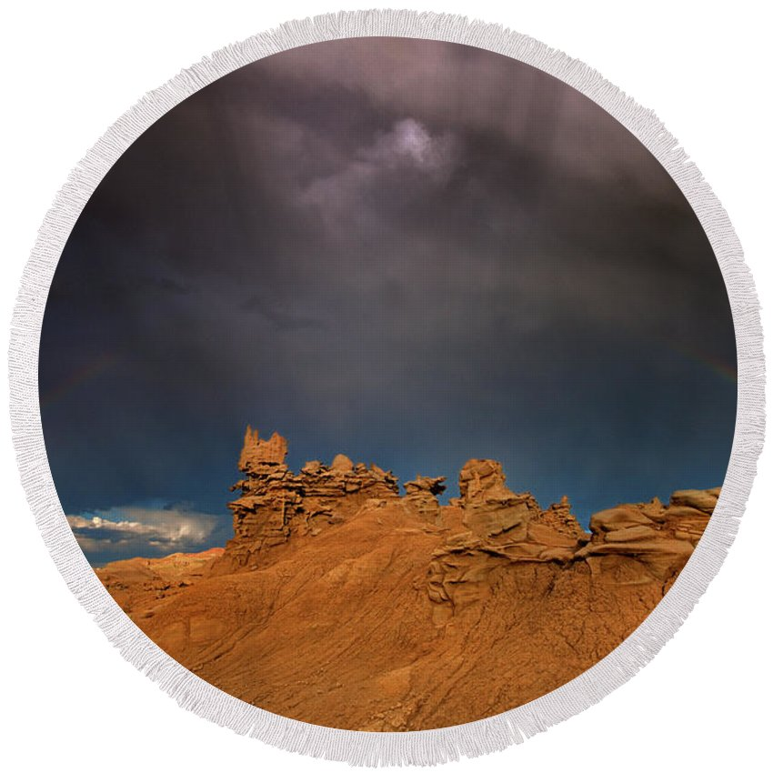 North America Round Beach Towel featuring the photograph Rainbow And Sandstone Formations Fantasy Canyon Utah by Dave Welling
