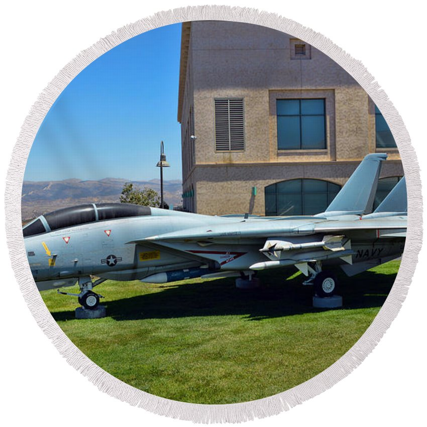 Grumman F-14 Tomcat Round Beach Towel featuring the photograph Reagan Tomcat by Tommy Anderson