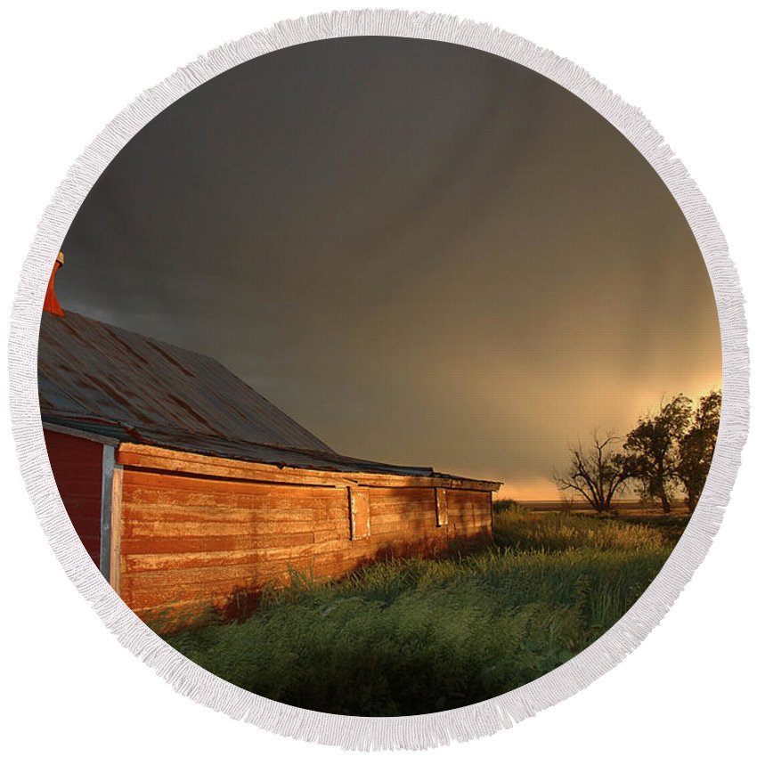 Barn Round Beach Towel featuring the photograph Red Barn At Sundown by Jerry McElroy