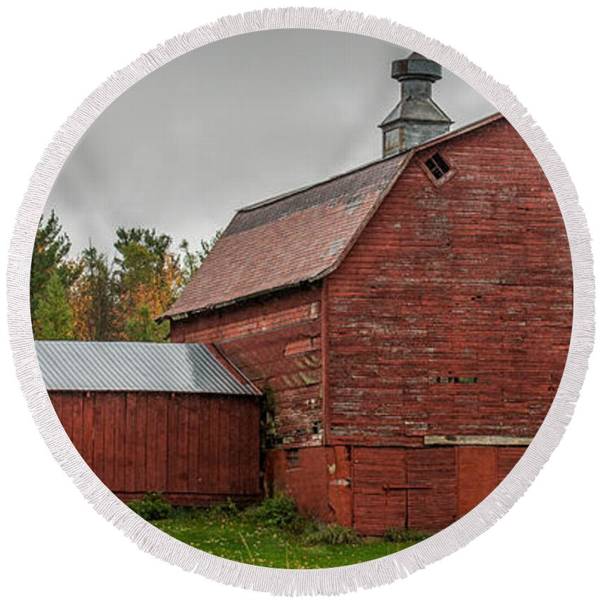 Barn Round Beach Towel featuring the photograph Red Barn With Fall Colors by Paul Freidlund