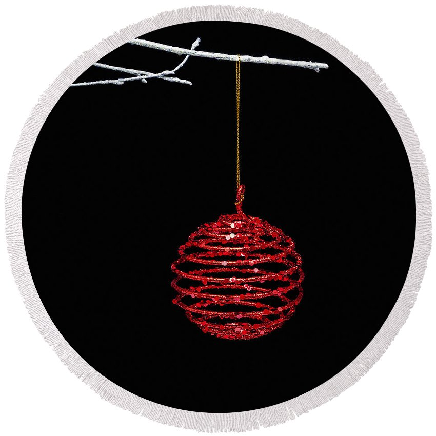 Bauble Round Beach Towel featuring the photograph Red Bauble by Diane Macdonald