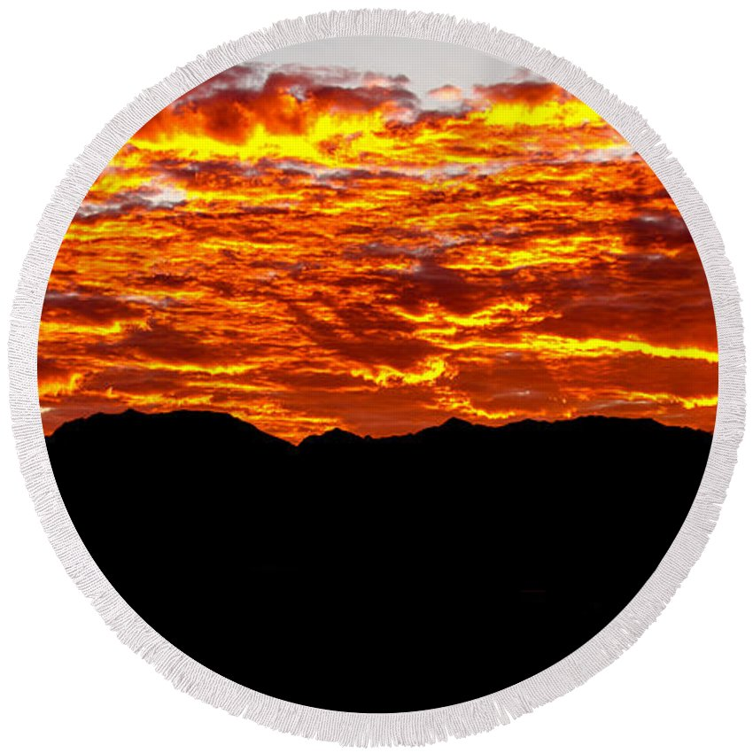Sunrise Round Beach Towel featuring the photograph Red Rays by Robert Bales