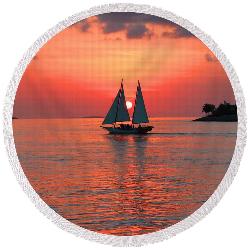 Sea Round Beach Towel featuring the photograph Red Sunset by Iryna Goodall