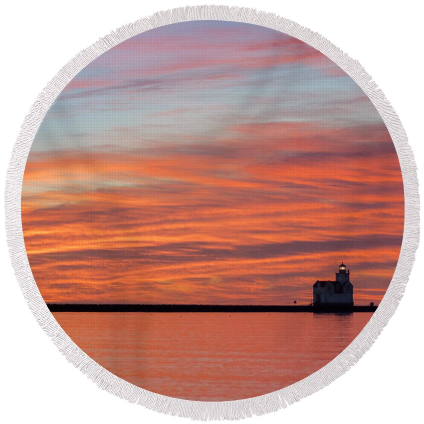 Lighthouse Round Beach Towel featuring the photograph Red Velvet Morning by Bill Pevlor