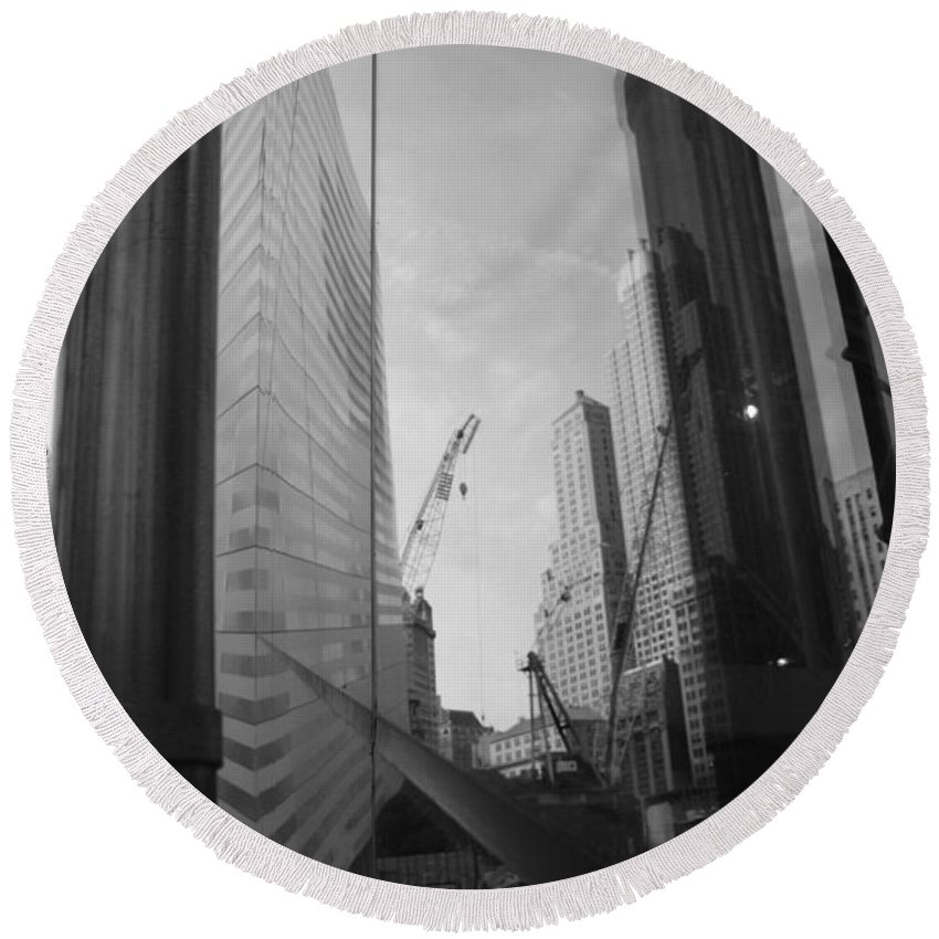Wtc Round Beach Towel featuring the photograph Reflections At The 9/11 Museum In Black And White by Rob Hans