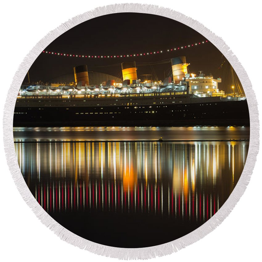 Bay Round Beach Towel featuring the photograph Reflections Of Queen Mary by Heidi Smith