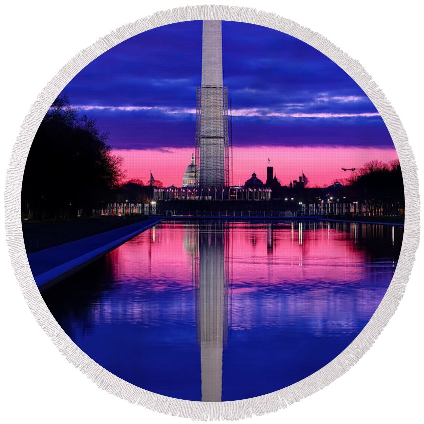 Metro Round Beach Towel featuring the photograph Repairing The Monument I by Metro DC Photography